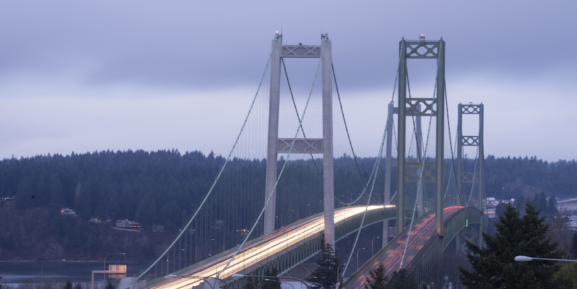 commutters travel back and forth tacoma narrows br P9WJGJJ